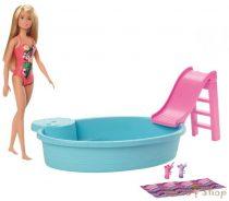 Barbie baba medencével