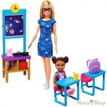 Barbie űrkaland - Barbie tanterme